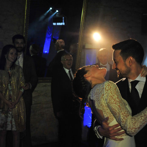 photographe-mariage-lorient-morbihan-56-soiree-ouverture-bal-animation