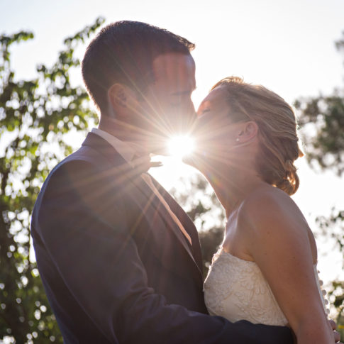 photographe mariage lorient rayon de soleil baiser