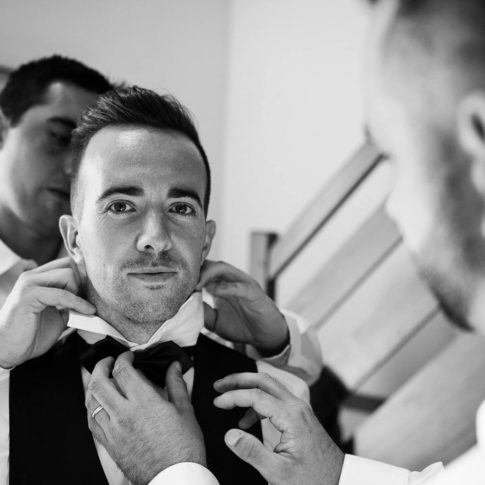 Photographe mariage préparatifs marié Plouay
