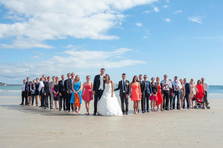 photographe Mariage photo de groupe Larmor-Plage sur le sable