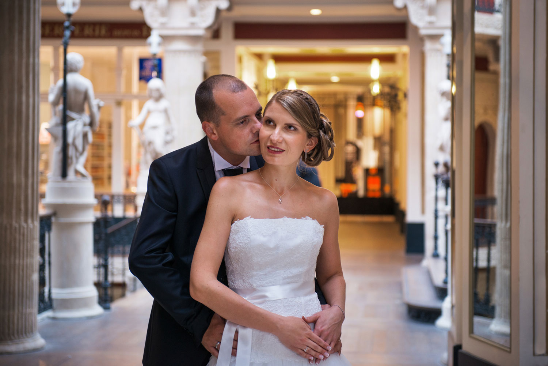 photographe mariage Morbihan couple Nantes passage pommeraye